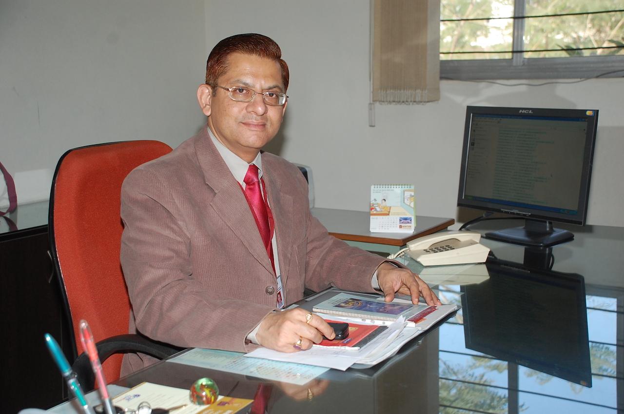 DR ALOK MITTAL